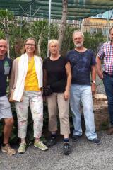 Abb. 4: Gruppenbild im Außengelände des nichtöffentlichen Bereichs des Botanischen Gartens Jena (Foto Tobias Pfeil)
