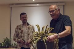 Abb. 5: ... und zum Dritten! Tobias Pfeil und Jochen Bockemühl bei der Arbeit. Auf der Party! (Foto: Edi Day)